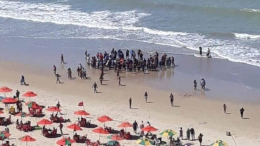 Homem foi atacado por tubarão nesse domingo (25)
