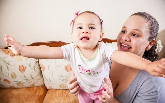 Mariana Cabral se viu afastando sua filha de um menino deficiente físico, mas decidiu mudar de atitude ao observar o marido