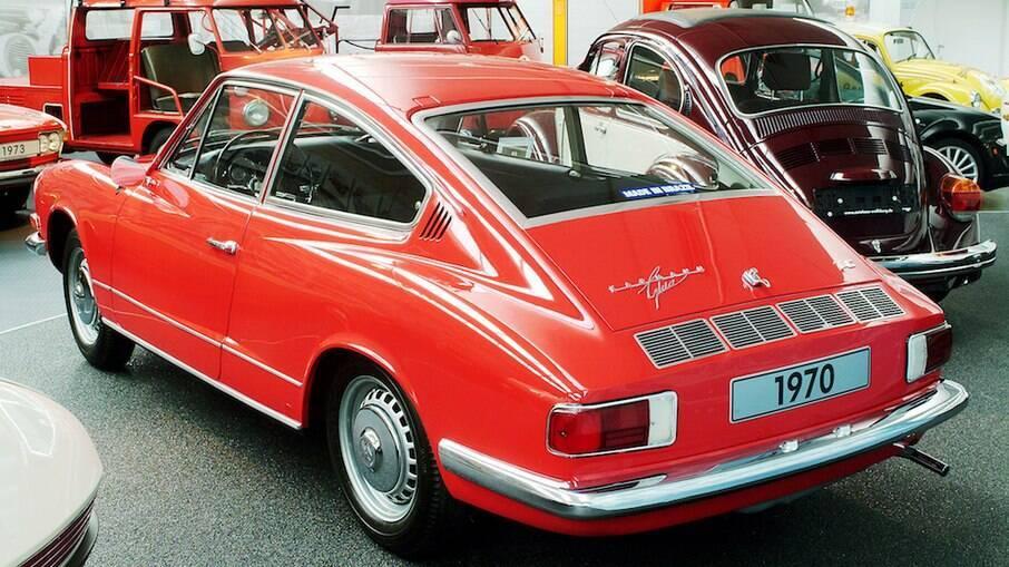Karmann Ghia TC tem uma traseira que lembra a do Porsche 911 original, de 1963 pelo estilo de cupê