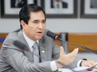 Silas Brasileiro já tomou posse na vaga de Antônio Andrade e vai continuar na Casa