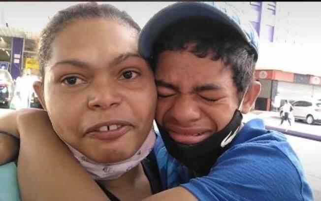 Mãe e filho no TikTok