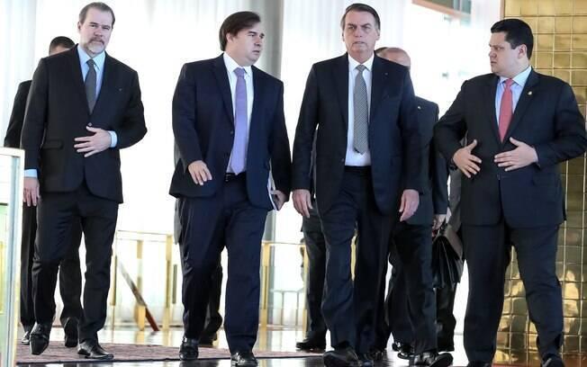 Bolsonaro se reuniu com Toffoli, Maia e Alcolumbre para um café da manhã nesta terça-feira (28)