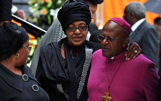 Winnie Madikizela-Mandela, militante sul-africana que lutou contra o apartheid, morreu aos 81 anos