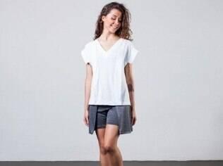 Visual com roupas da Velô. As peças também são vendidas pelo site da empresa