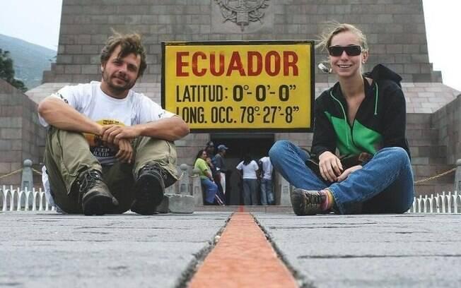 Conheça o casal que viajou por 103 países de carro
