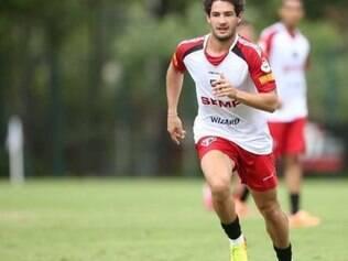 Pato quer marcar gols pelo São Paulo, domingo, contra o Flamengo, pelo Brasileirão