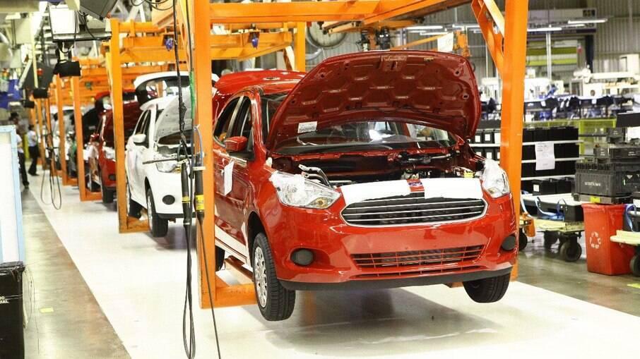 Linha de produção da Ford na fábrica de Camaçari (BA), onde deixaram de ser produzidos os modelos Ka, Ka Sedan e EcoSport