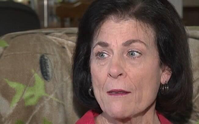 Mulher que teve a perna infectada por bactéria devoradora de carne humana após nadar no mar conta sua história na TV