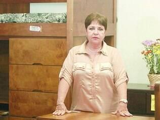 Aperto. Coordenadora do polo moveleiro da Silviano Brandão, Eliana Reis lamenta situação no local