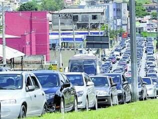 Sofrimento. Motoristas de carro terão que dividir espaço com ônibus que antes circulavam em pista exclusiva para o transporte coletivo