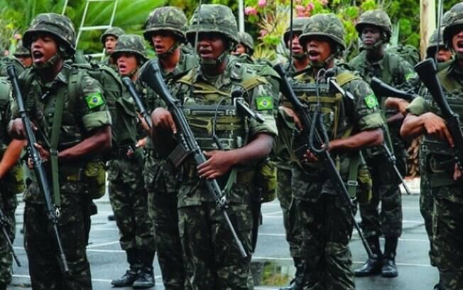 Aposentadoria das Forças Armadas está excluída da proposta de reforma da Previdência de Temer