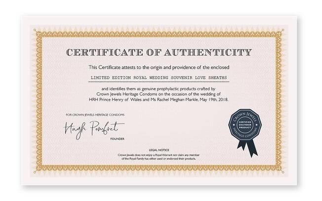 A caixa vem com um certificado de autenticidade assinado para diferenciar dos preservativos-lembrança falsos