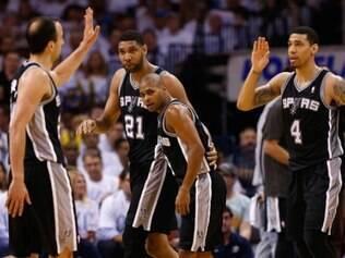 San Antonio Spurs conseguiram a vitória por 112 a 107, na prorrogação