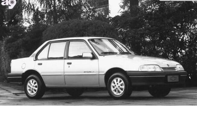 Chevrolet Monza Barcelona tinha acabamento diferenciado entre as versões especiais da GM