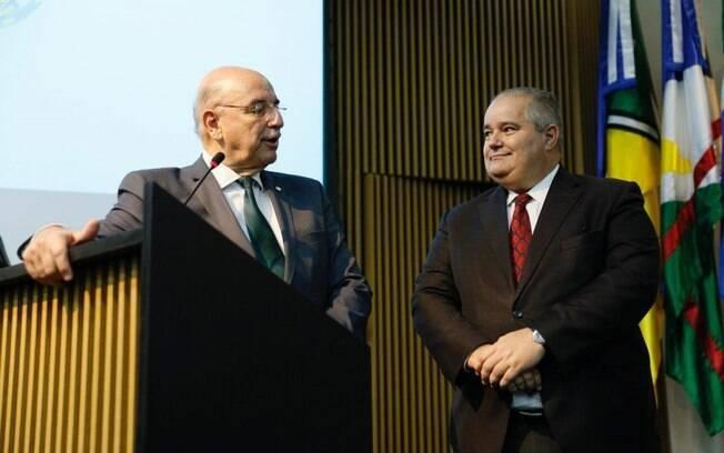 Ministro da Cidadania Osmar Terra e Secretario Especial de Cultura Henrique Medeiros Pires em cerimônia na quarta-feira (02)