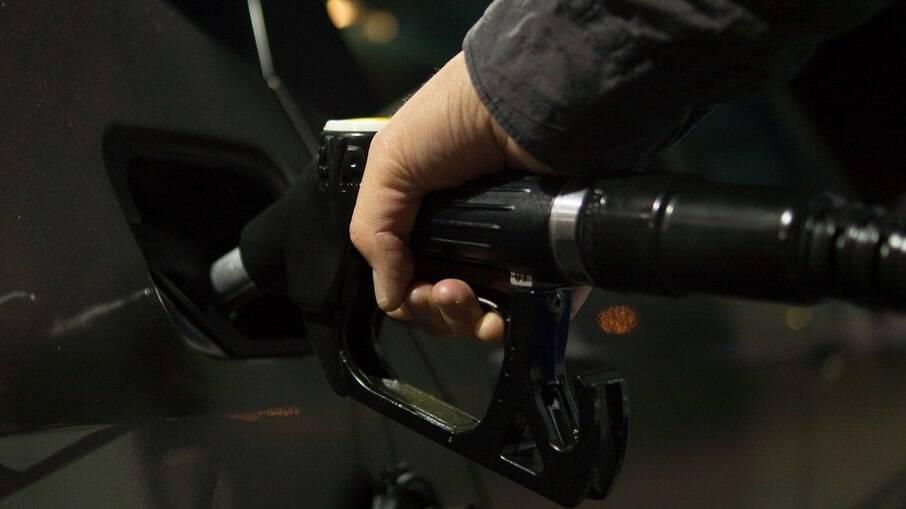 Gasolina no Rio de Janeiro é a segunda mais cara do país