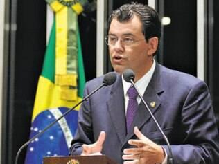 Ministro admite racionar energia se nível de reservatórios cair a 10%