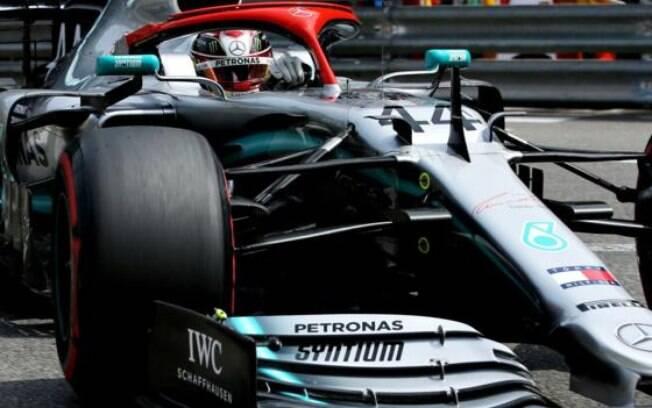 Lewis Hamilton em ação nos treinos para o GP de Mônaco