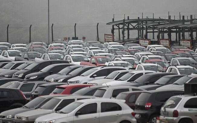 Criminosos anunciam falso leilão de carros para aplicar golpes