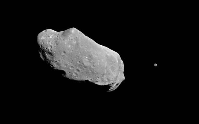 Objeto passará perto da órbita da Terra, mas não é visto como um