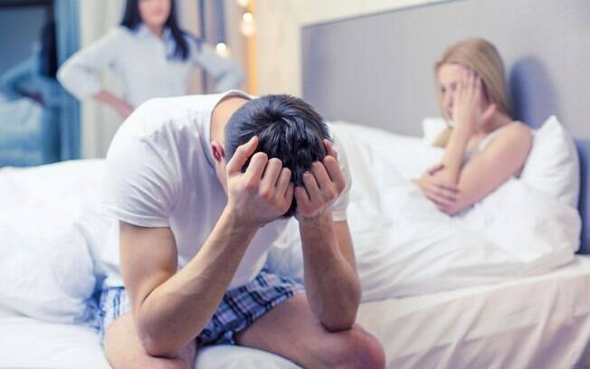 Quase metade das pessoas que cometem traição escolhe levar o amante para a própria casa, aponta pesquisa
