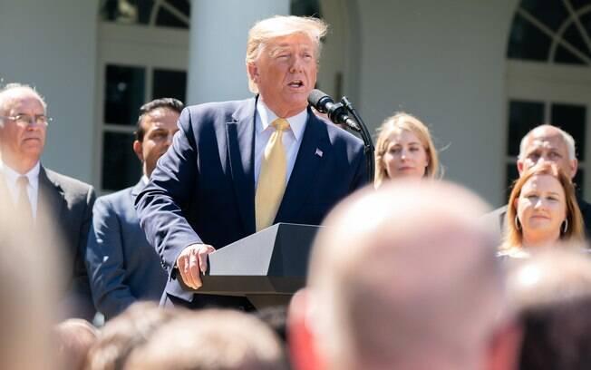 Trump chama BC dos EUA de 'garoto teimoso' que se nega a reduzir as taxas de juros