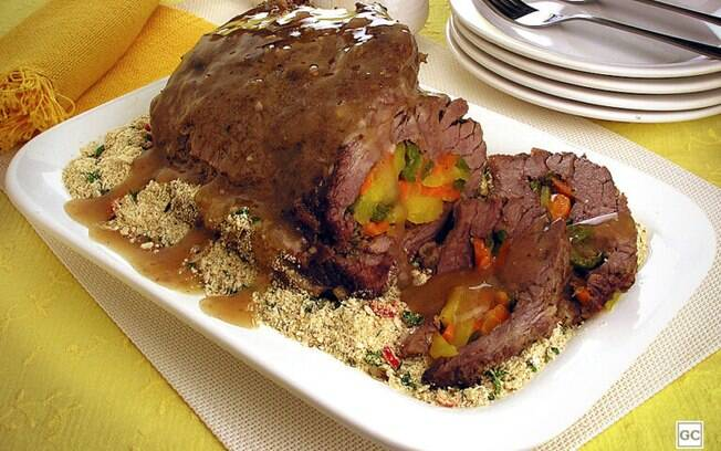 Carne de panela recheada: opção diferente para o almoço