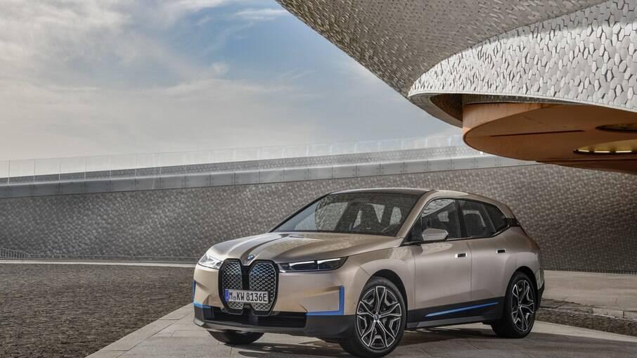BMW iX, o primeiro SUV 100% elétrico da fabricante alemã
