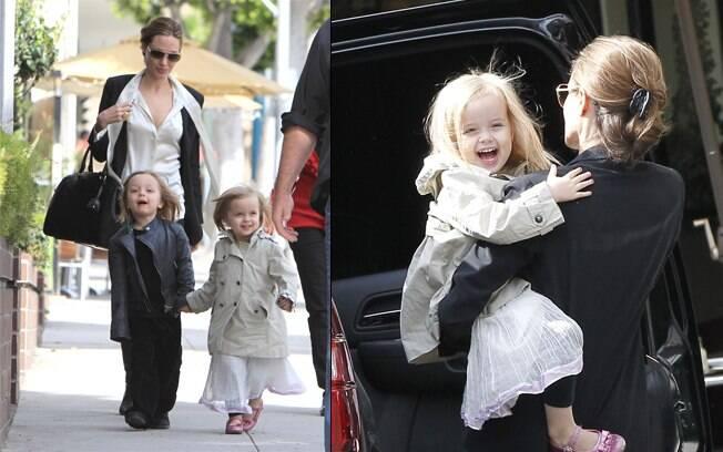 Angelina Jolie com os gêmeos Knox e Vivienne