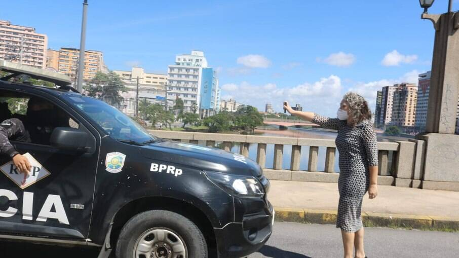 Liana Cirne, vereadora do PT, foi agredida por policial no Recife em ato contra Bolsonaro