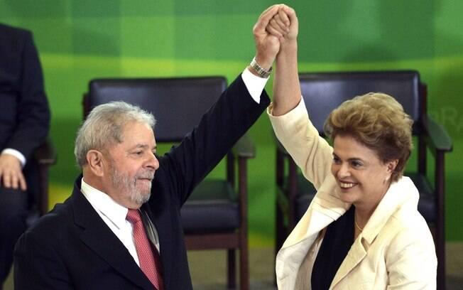 A presidente Dilma Rousseff ao lado de seu antecessor e padrinho político, Luiz Inácio Lula da Silva