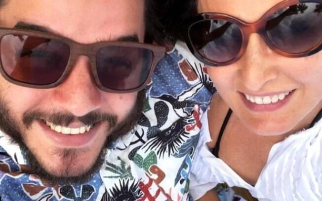 Túlio Gadelha compartilha momento de preguiça com Fátima Bernardes em sua conta do Instagram