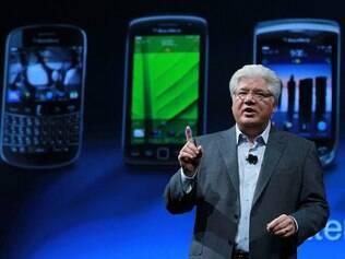 Mike Lazaridis, um dos presidentes da RIM: empresa sob críticas devido a atrasos de aparelhos