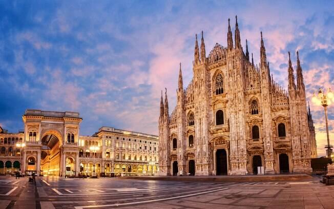 Ponto turístico de Milão vázio por causa do coronavírus