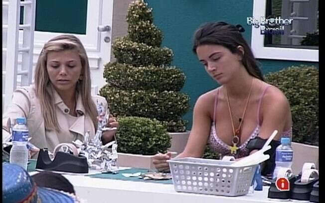 Laisa e Fabiana se queixam de dores nas pontas dos dedos