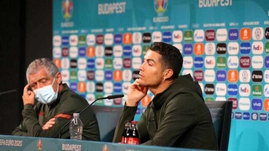 Cristiano Ronaldo dispensou refrigerante patrocinador da Eurocopa