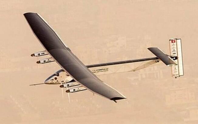 Solar Impulse 2 levantou voo a partir de Abu Dhabi