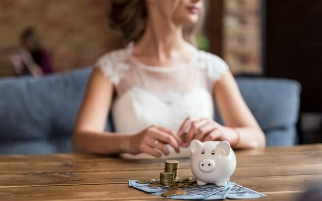Para ter um casamento dos sonhos, muitos noivos gastam horrores, mas um estudo aponta que gastar menos é melhor