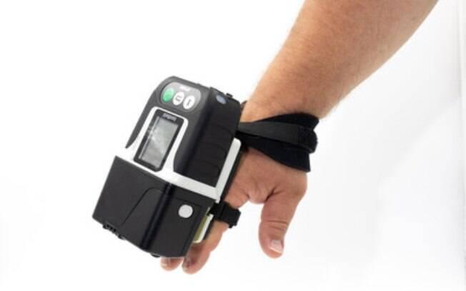 A Handheld apresenta a exclusiva impressora com scanner vestível SP500X para eficiência logística