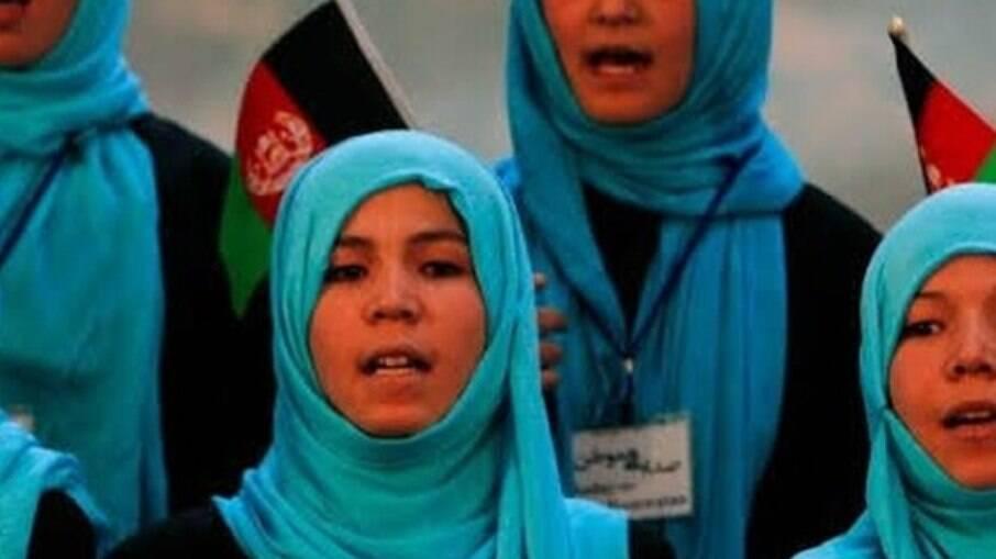Mulheres estão angustiadas com volta do Talibã para o Afeganistão