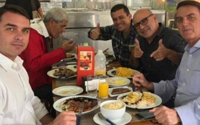 Caso Queiroz: ex-assessor de Flávio Bolsonaro ainda não explicou movimentações bancárias apontadas pelo Coaf