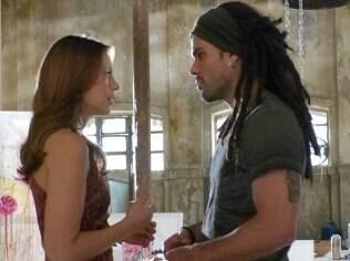 Paloma procura Ninho, mas não conta que encontrou Paulinha
