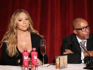 Mariah Carey e fundador da marca Go N'Syde, Kevin Liles, em lançamento do novo produto da cantora