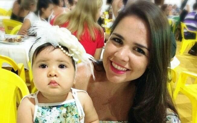 Patricia buscou apoio nas redes sociais para seguir o aleitamento materno da forma que fosse melhor para ela e a filha
