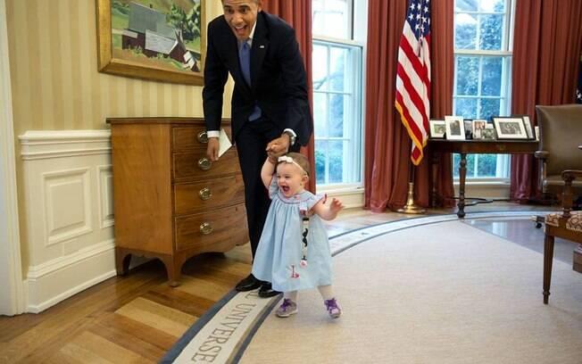 Na época em que Barack Obama ocupou a Casa Branca, o Salão Oval tinha cortinas vermelhas