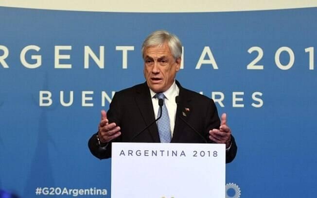 Piñera tenta acalmar situação no país.
