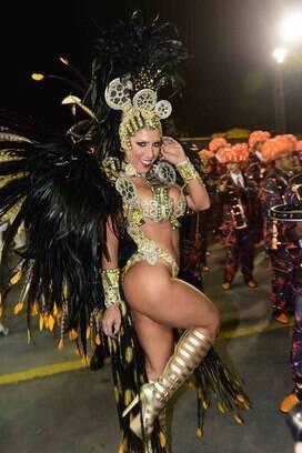 Ana Paula Minerato, rainha de bateria da Gaviões da Fiel. Foto: AgNews
