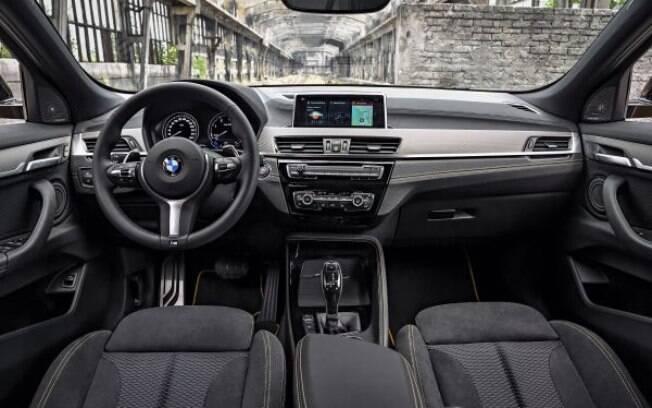 BMW X2 traz interior que segue os padrões da nova geração de design e tecnologia da marca