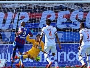 Sloan Privat marcou o terceiro gol da partida, concluindo a vitória
