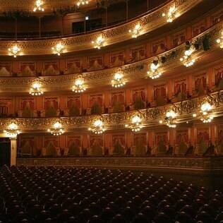 Vista interna do teatro Colón, recém-restaurado